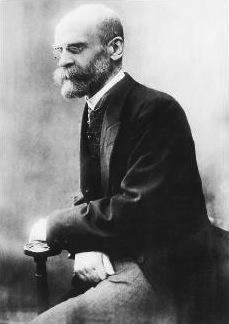 Para Durkheim, as instituições sociais são necessárias para a manutenção da ordem social.
