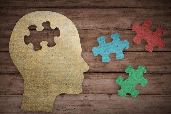 Profissionais podem trabalhar em conjunto no processo de tratamento de um paciente.