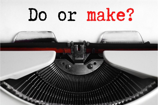 """O verbo """"fazer"""" pode ser traduzido como do ou make."""