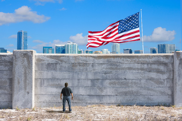 Muro entre Estados Unidos e México. Um grande exemplo de xenofobia dos dias atuais.