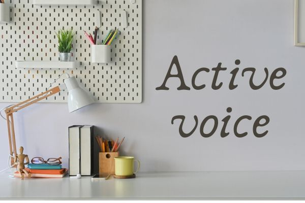 """Em inglês, a """"active voice"""" focaliza o sujeito-agente da ação."""