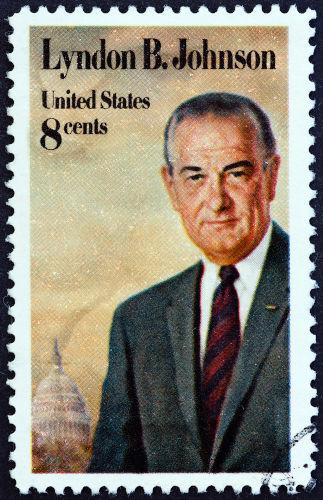 O envolvimento dos Estados Unidos com a Guerra do Vietnã aconteceu durante o governo de Lyndon Johnson.[1]