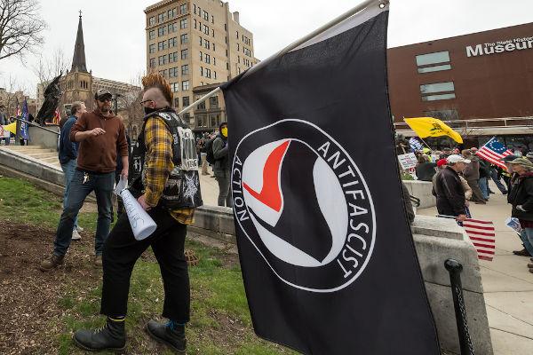 O antifascismo representa uma forma de ação que defende a luta contra o fascismo e a extrema-direita.[1]