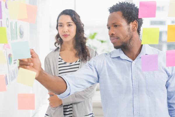 Durante crises é indispensável observar criteriosamente as condições a fim de localizar as tendências e fazer uma boa aposta para um novo negócio.