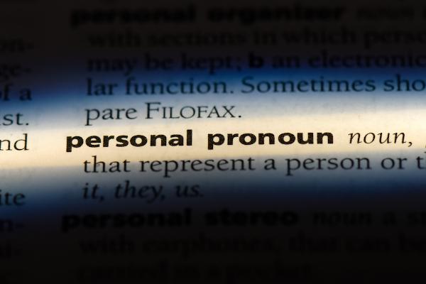 Os personal pronouns nem sempre se referem a pessoas.