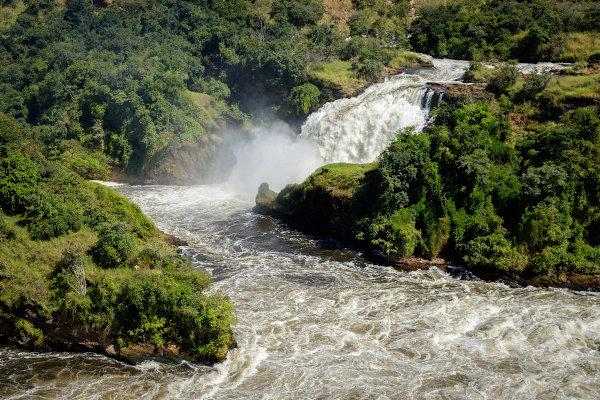 Cachoeiras Murchison, próximas do Nilo Branco, afluente do Nilo, em Uganda.