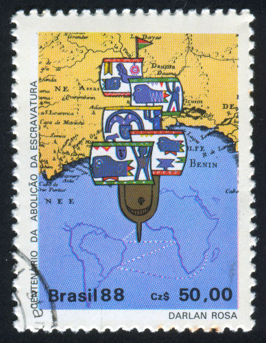 Selo brasileiro que mostra as rotas que os navios negreiros faziam para trazer os africanos escravizados ao Brasil.[1]