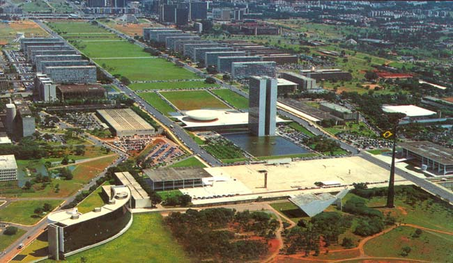 Vista aérea da Praça dos Três Poderes, em Brasília.