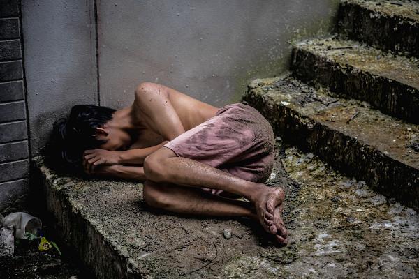 A pobreza atinge todas as idades.