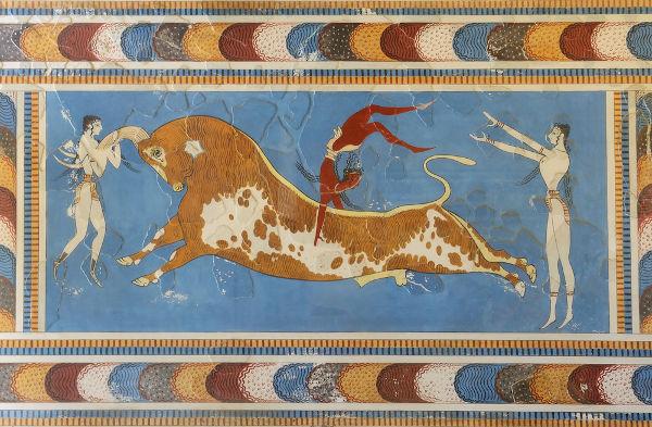 Os palácios e os afrescos cretenses são importantes fontes arqueológicas para os historiadores que se dedicavam à história grega.[1]