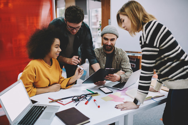 Além de estudar e ter boas ideias, é importante que os empreendedores estejam atentos às análises feitas sobre a área.