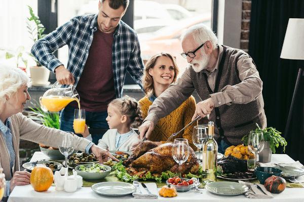 A Black Friday acontece no dia seguinte ao Dia de Ação de Graças, o Thanksgiving Day nos Estados Unidos.
