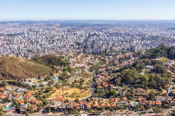 Vista aérea da capital mineira, Belo Horizonte. [1]