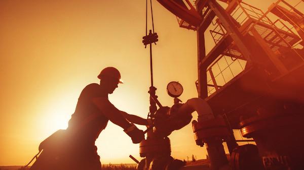 A geração de empregos é uma das grandes contribuições da Petrobras.