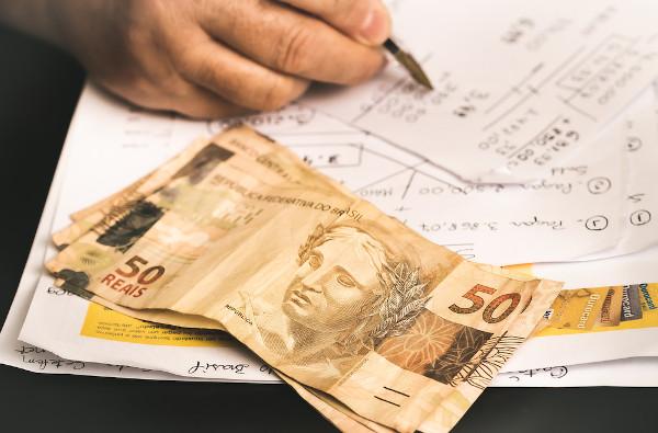 O cálculo do PIB brasileiro é atualmente feito pelo IBGE.