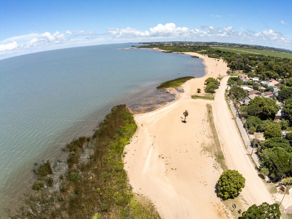 A lagoa dos Patos fica no Rio Grande do Sul e é considerada o maior lago do Brasil.