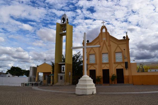 Capela de Nossa Senhora do Perpétuo Socorro, em Juazeiro do Norte, onde foram enterrados os restos mortais de padre Cícero.