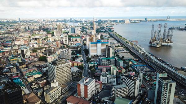 Lagos é a cidade mais populosa da Nigéria.