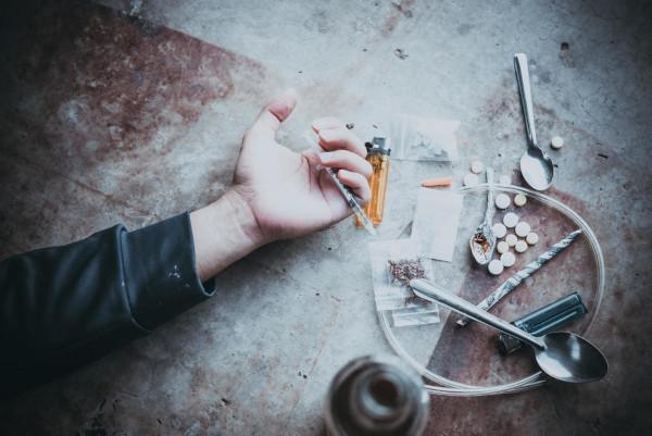 As drogas podem causar efeitos agudos e crônicos.