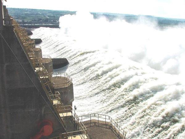 A Usina de Tucuruí é a maior hidrelétrica construída integralmente no Brasil. [1]