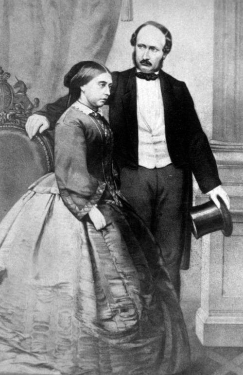 Imagem em preto e branco da rainha Victoria da Inglaterra e seu marido, o príncipe Albert.