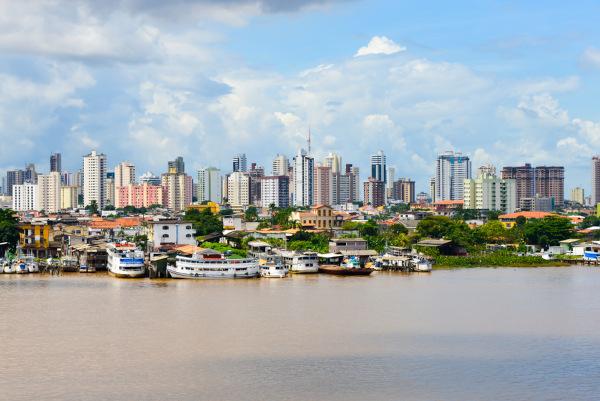 Vista de parte da zona portuária de Belém, no Pará. [1]