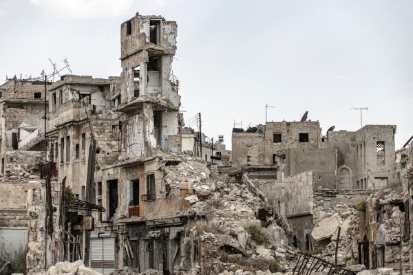 Ruínas de prédios em Aleppo.