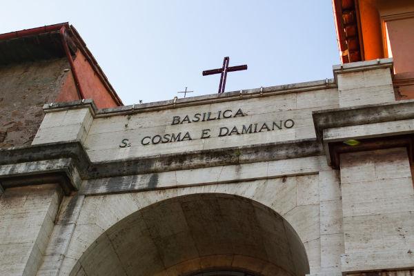 Basílica de São Cosme e Damião construída em Roma.[1]