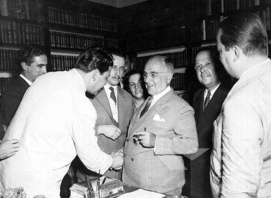 Getúlio Vargas retornou à presidência após elaborar uma ótima estratégia durante a eleição de 1950. [1]