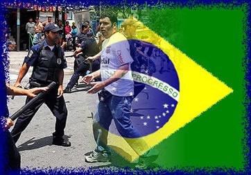 Soldados da guarda civil atuando contra torcida organizada de futebol