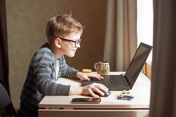 As aulas on-line devem ser criativas, a fim de conseguir uma maior participação dos alunos.