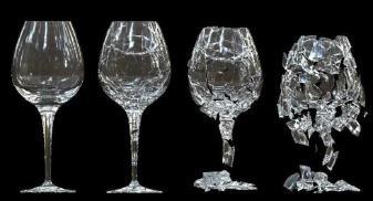 Esquema ilustrativo de taça de vidro se quebrando.