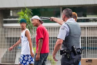Repressão policial a participantes de rolezinho