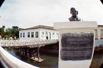 Após sua morte, a Velha Casa da Ponte foi transformada no Museu de Cora Coralina, na Cidade de Goiás, estado de Goiás.*