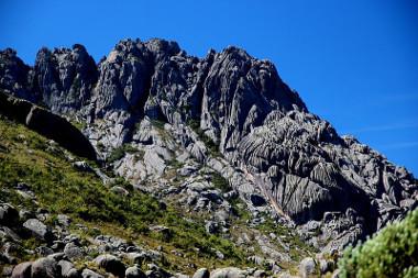 Pico das Agulhas Negras, localizado no Parque do Itatiaia ¹