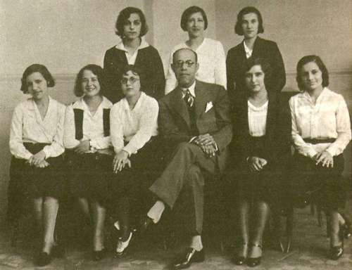 Mário de Andrade e seus alunos do Conservatório Dramático e Musical de São Paulo, 1931