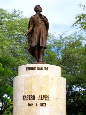 Monumento dedicado ao poeta, localizado na Praça Castro Alves, na cidade de Salvador, Bahia