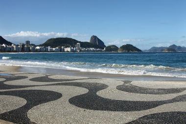 O mosaico da orla de Copacabana no Rio de Janeiro foi construído no início do século XX