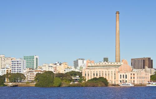 Porto Alegre é uma das maiores metrópoles em número de habitantes e tem grande importância cultural e econômica