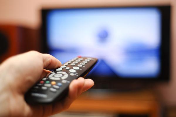 O controle remoto utiliza o infravermelho para transmitir dados para o aparelho televisor