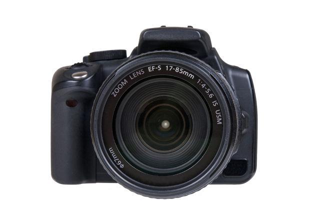 As câmeras fotográficas utilizam lentes esféricas para formar imagens.