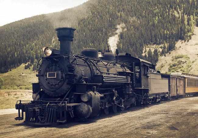 As leis da Termodinâmica permitiram a evolução das máquinas a vapor, que deram início a um crescente processo de industrialização.