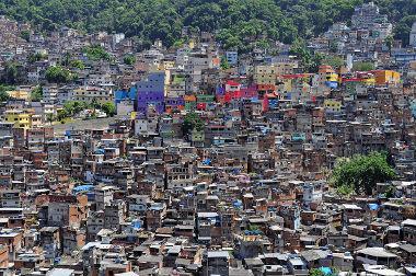 Favela, um exemplo das consequências do crescimento desordenado das grandes cidades