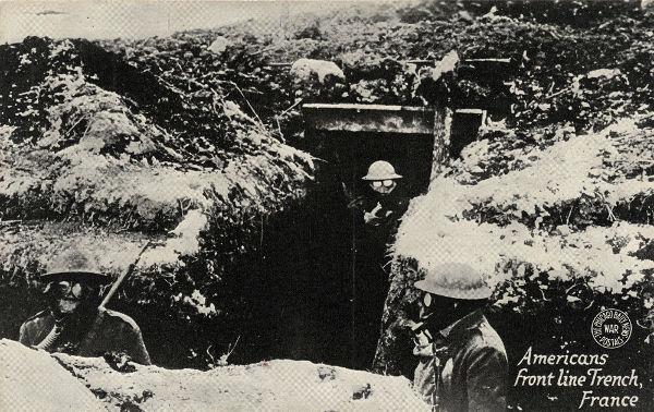 Soldados americanos utilizando máscaras para se proteger das armas químicas utilizadas na frente de batalha.