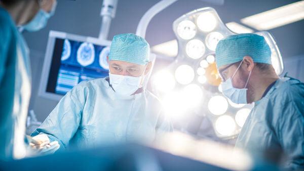 Em 2017, eram reconhecidas 55 especialidades médicas.