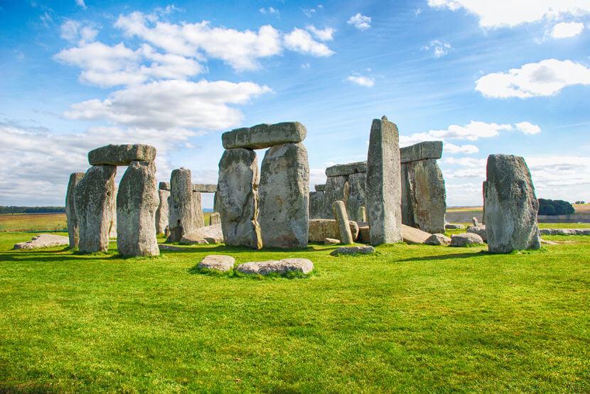 No Neolítico, destacam-se as construções megalíticas, como a de Stonehenge, na Inglaterra.