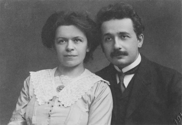 Einstein e sua primeira esposa, Mileva Maric (Foto: Domínio Público)