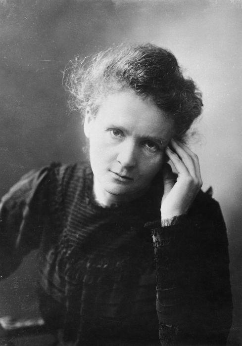 Marie Curie foi uma das maiores cientistas da história, suas contribuições permitiram um melhor entendimento da radioatividade.