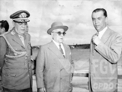 Getúlio Vargas em visita a Minas, poucos dias antes de cometer suicídio em 1954. [1]