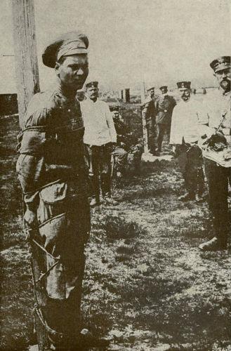 Soldado do Exército Vermelho que foi capturado pelas tropas brancas.